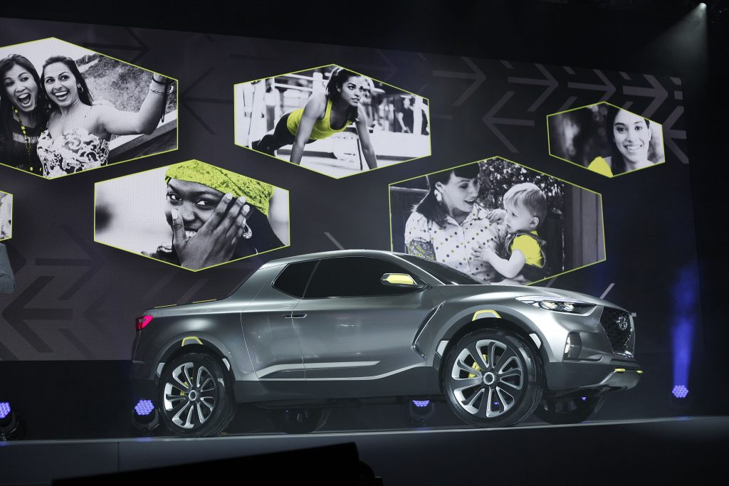 Hyundai reveals the Santa Cruz
