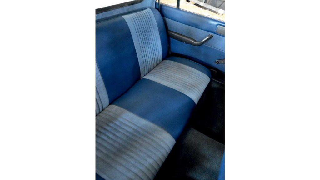 1985 Peugeot 505 pickup truck