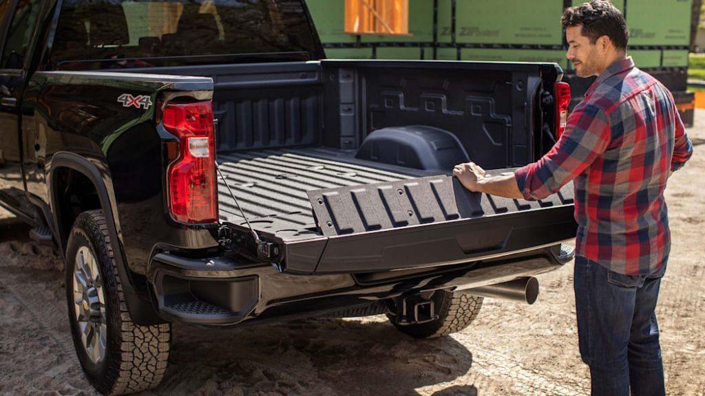 2022 Chevy Silverado 2500HD Multi-Flex Tailgate