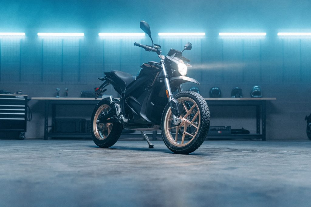 A black-and-gold 2022 Zero DSR in a garage