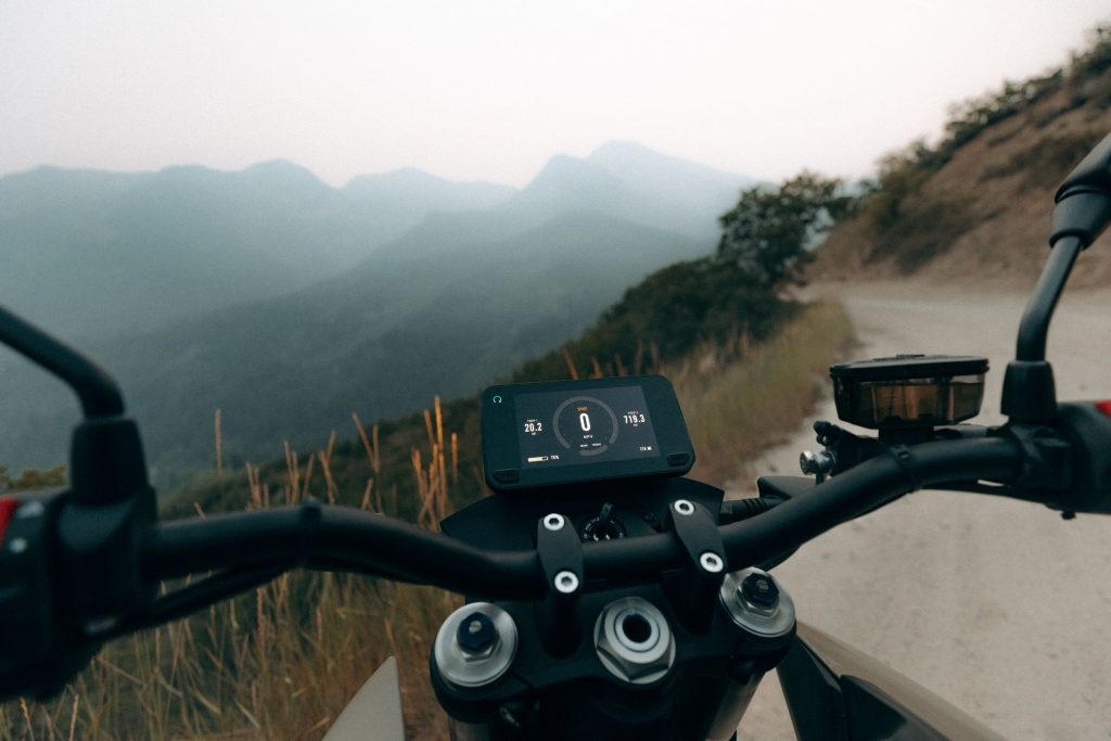 "2022 Zero Motorcycles' 5"" TFT display"
