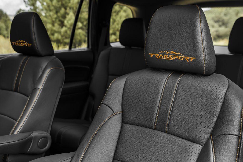 Black and orange seats in 2022 Honda Passport Trailsport