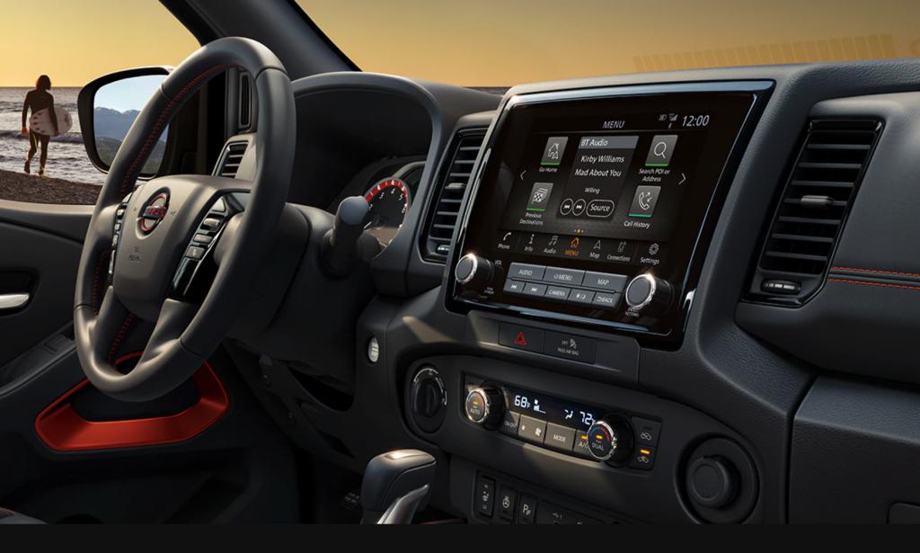 Nissan Frontier 2022 dashboard