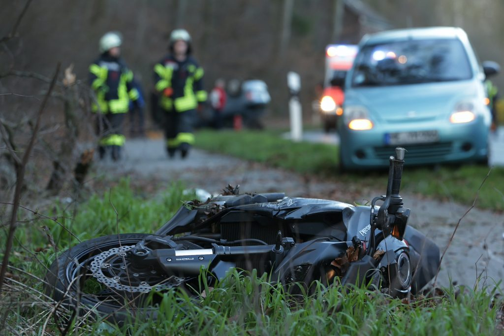 An 80-year-old man ran his car into the opposite lane and seriously injured a motorcyclist.