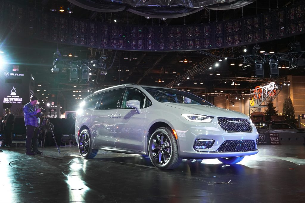 A 2021 Chrysler Pacifica at the Chicago auto show
