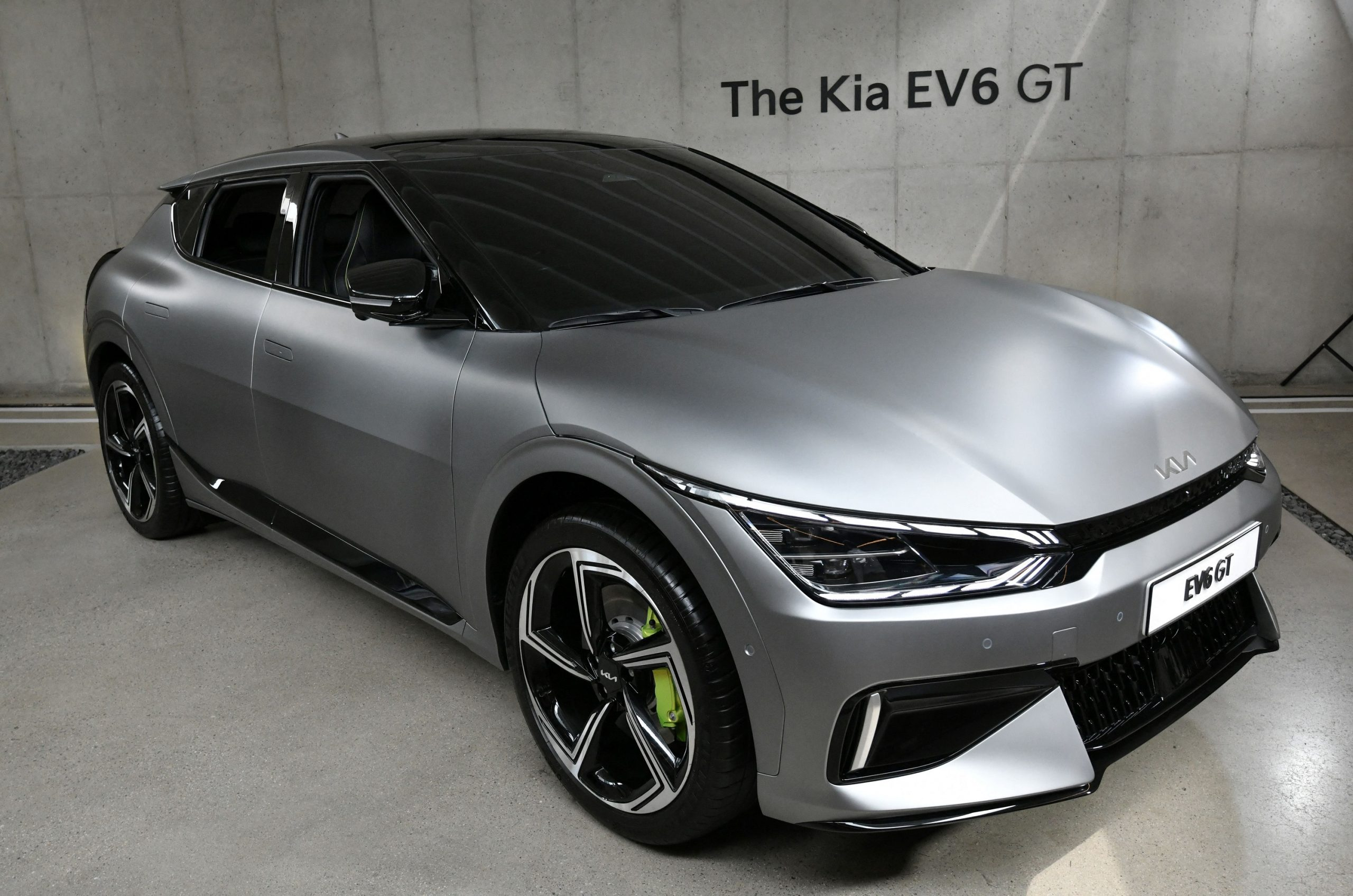 The new 2022 Kia EV6 in silver shot from the font 3/4