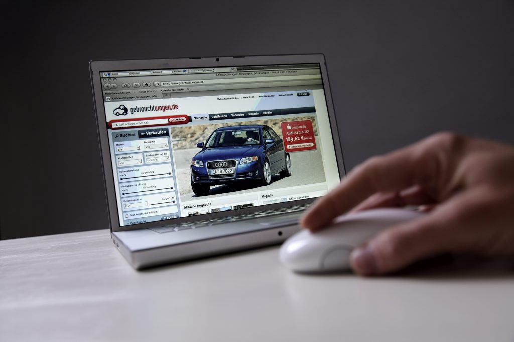 online car shopping on a laptop